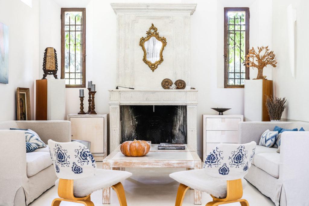 Living room at la Baye des Anges